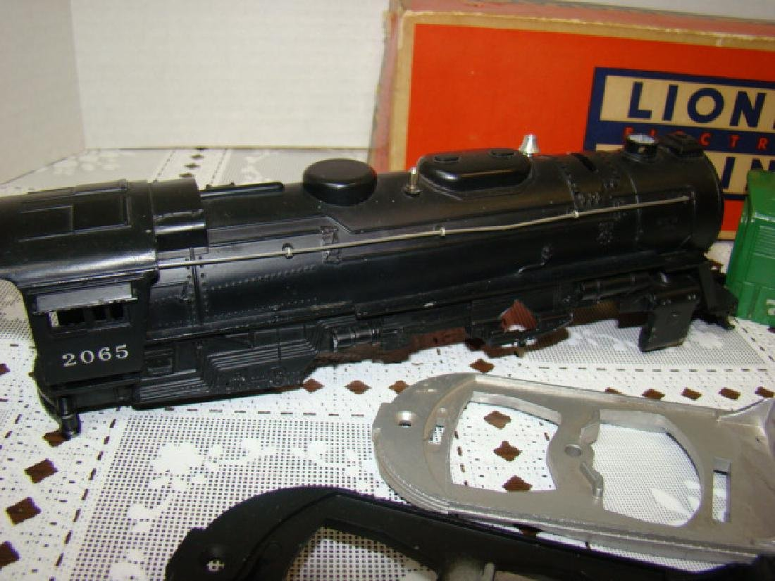LIONEL TRAINS- 2 LOCOMOTIVE CAPS ONLY- 2 CHASSIS - 3