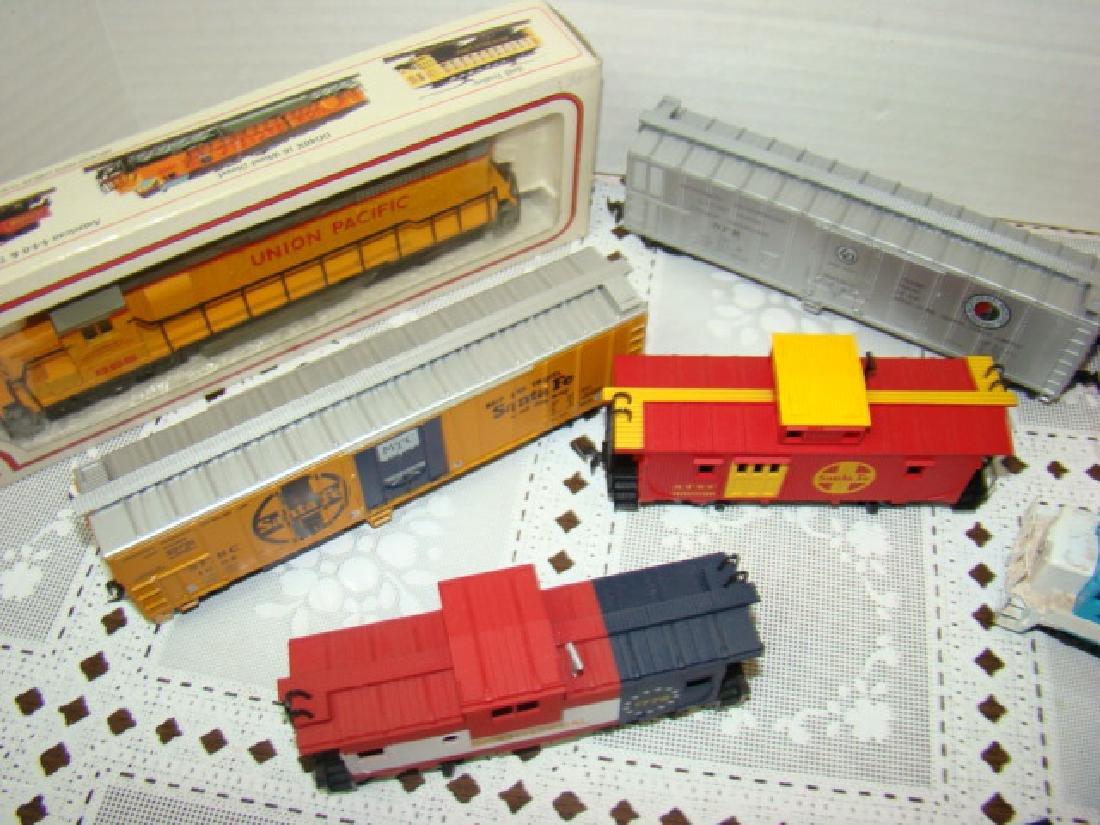 BACHMANN LOCOMOTIVES - BOXCARS & MORE - 4