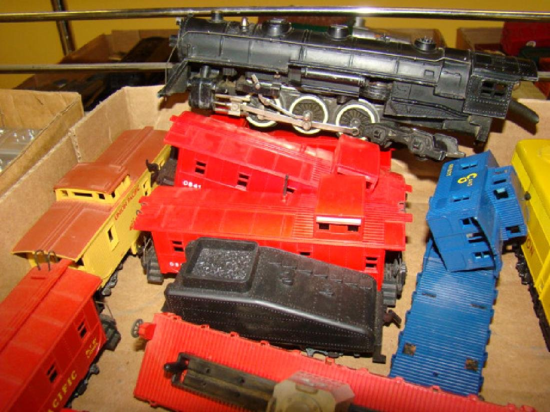 VARIOUS HO TRAIN LOTS-LOCOS AND CARS - 5