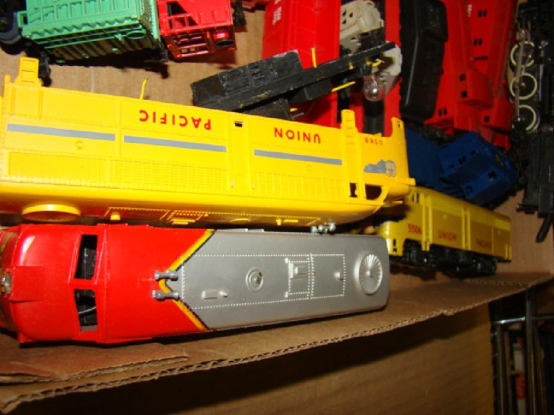 VARIOUS HO TRAIN LOTS-LOCOS AND CARS - 7