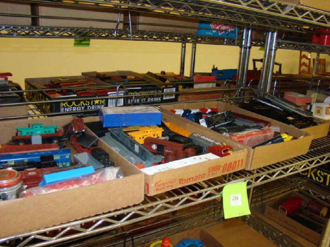 SHELF LOT-HO SCALE VARIOUS TRAINS