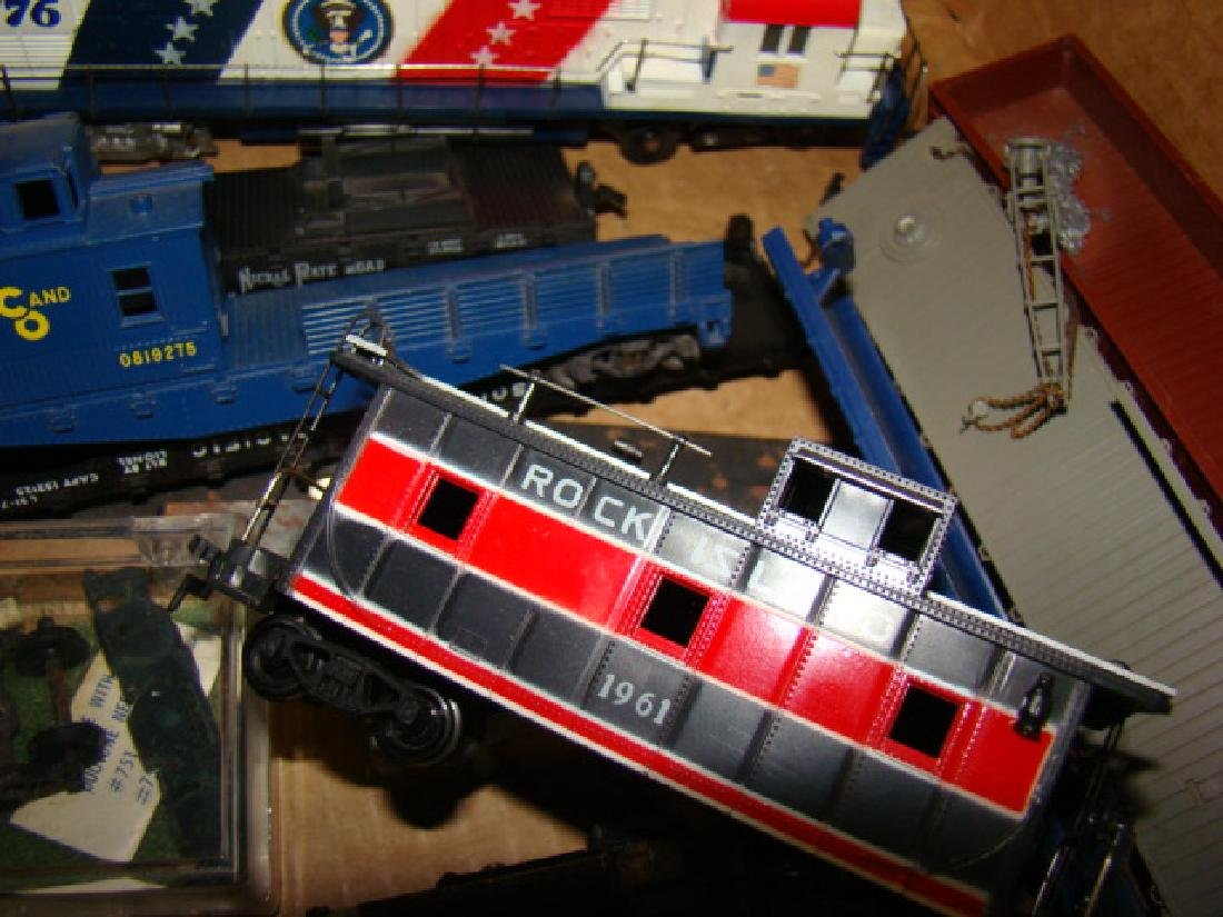 SHELF LOT-HO SCALE VARIOUS TRAINS - 5