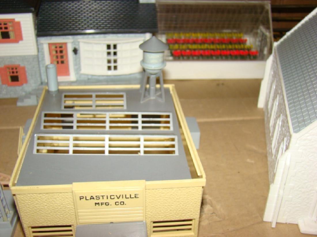 O SCALE PLASTICVILLE VILLAGE - 5