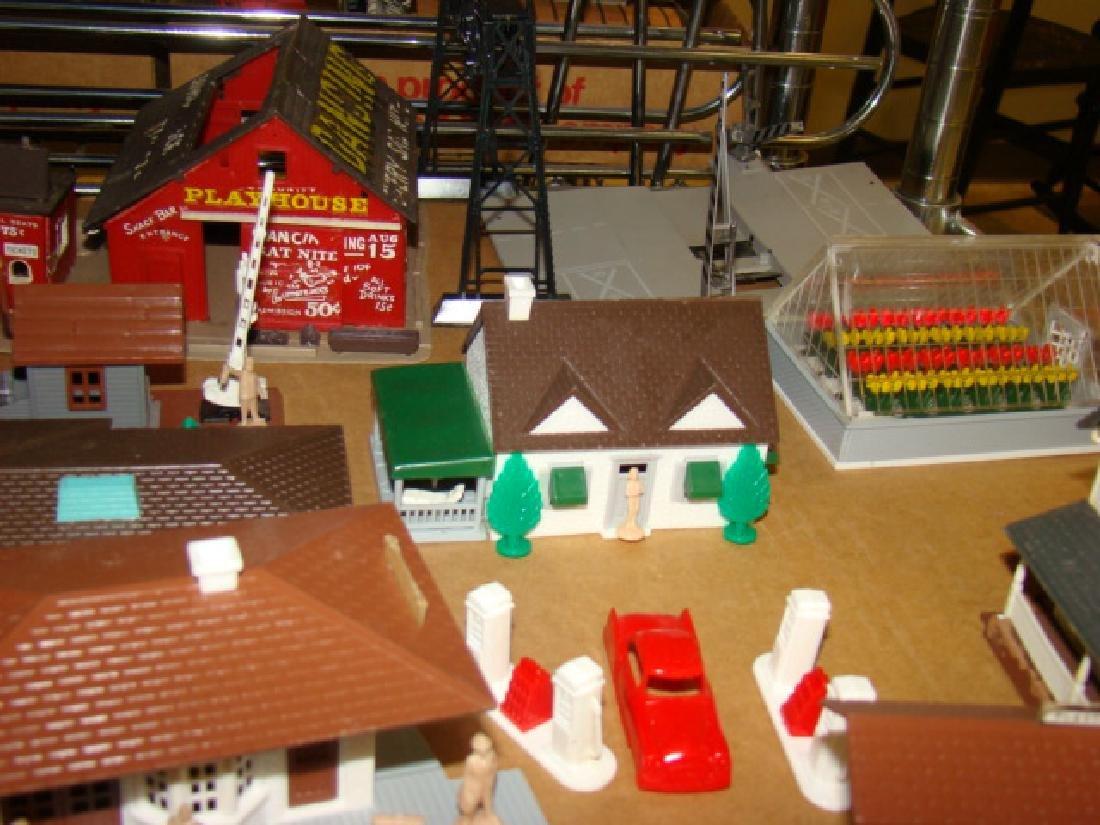 PLASTICVILLE DISPLAY BASE & VARIOUS BUILDINGS - 3