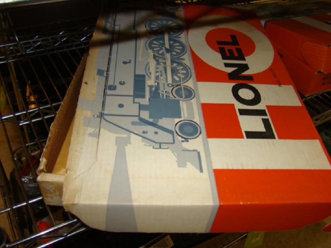 LIONEL HO SCALE TRAIN SET IN ORIGINAL BOX - 5
