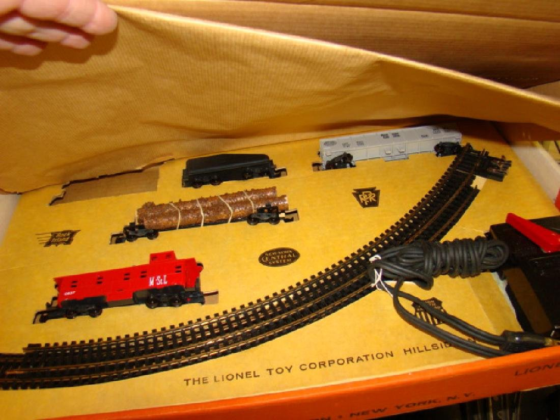 HO SCALE TRAIN SET BY LIONEL IN ORIGINAL BOX - 2
