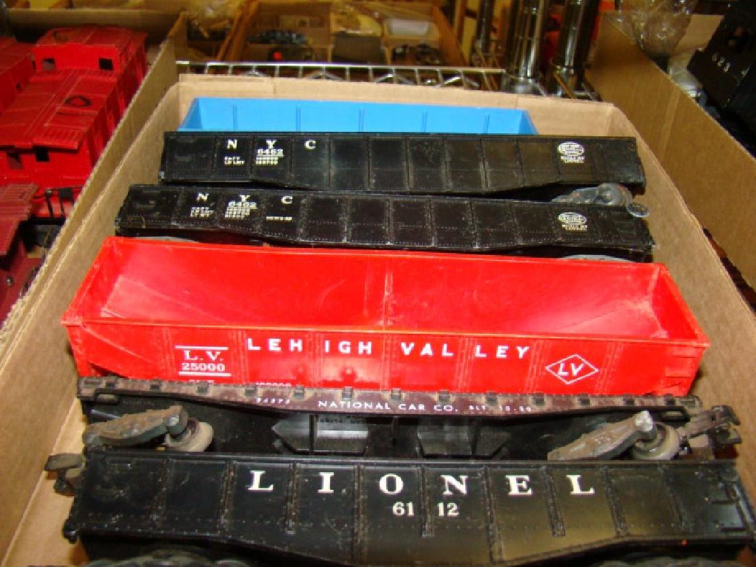 VARIOUS LIONEL TRAIN CARS - 3