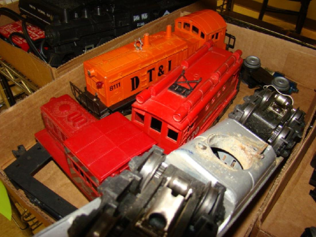 VARIOUS LIONEL LOCOMOTIVES-TENDERS - 5