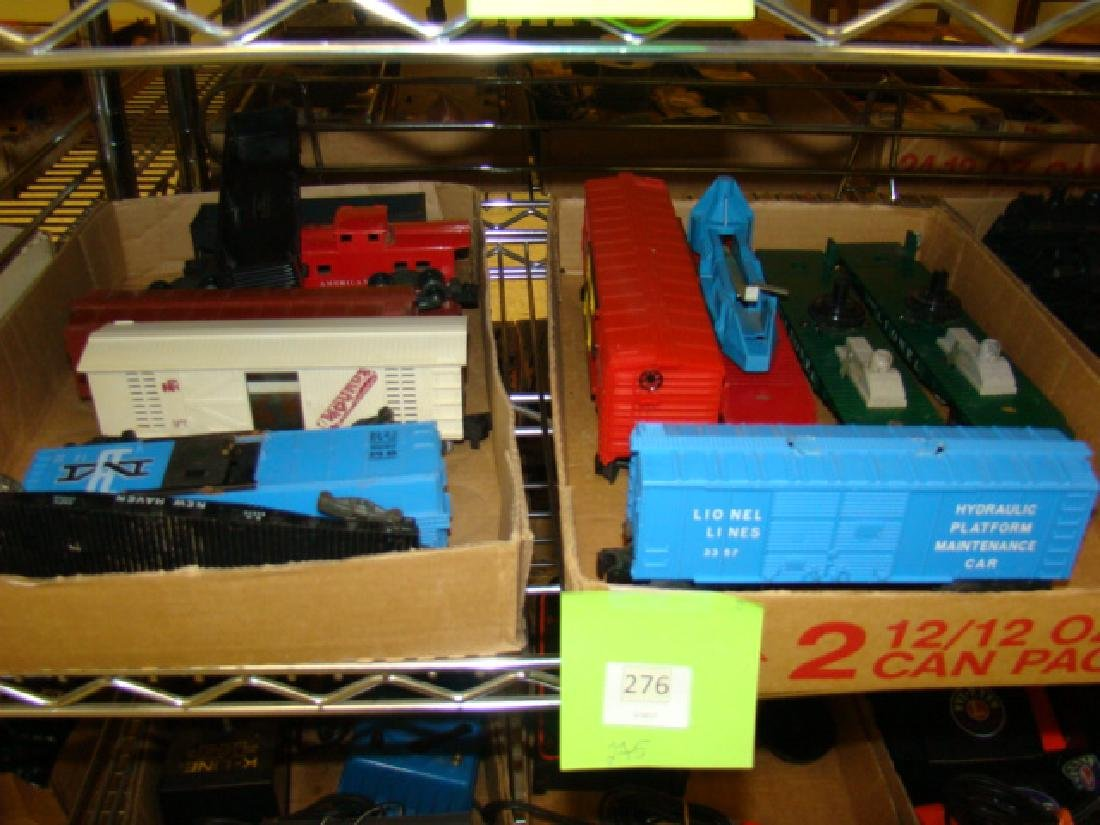 AMERICAN FLYER & LIONEL TRAIN CARS-MIXED LOT