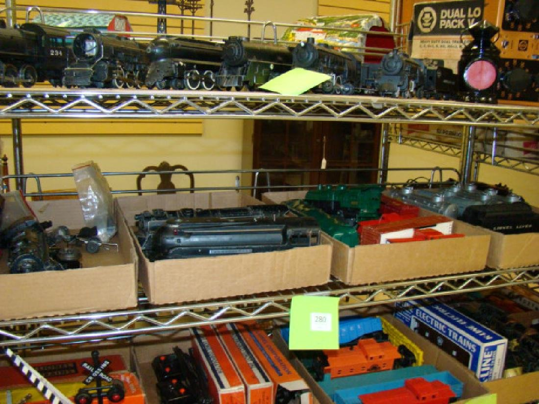 VARIOUS LIONEL TRAIN CARS & LOCOMOTIVES WITH PARTS