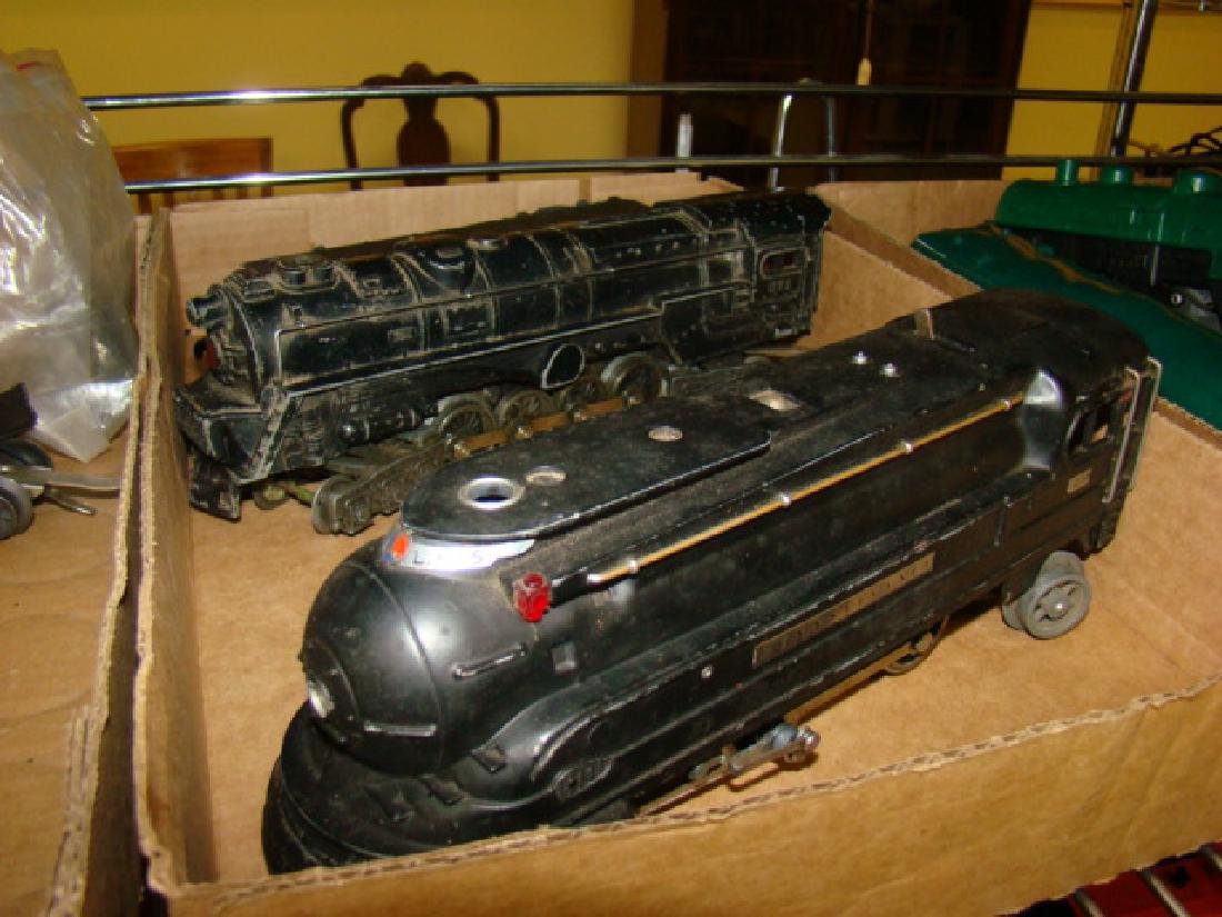 VARIOUS LIONEL TRAIN CARS & LOCOMOTIVES WITH PARTS - 3