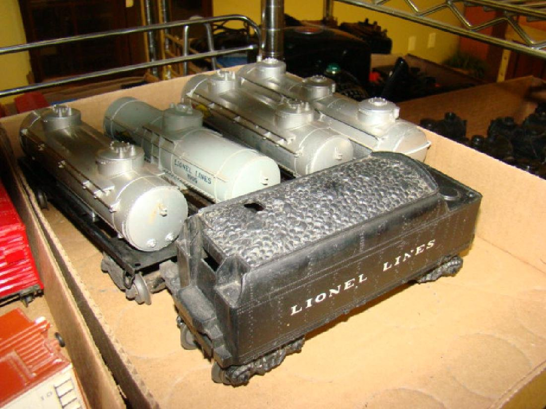 VARIOUS LIONEL TRAIN CARS & LOCOMOTIVES WITH PARTS - 5