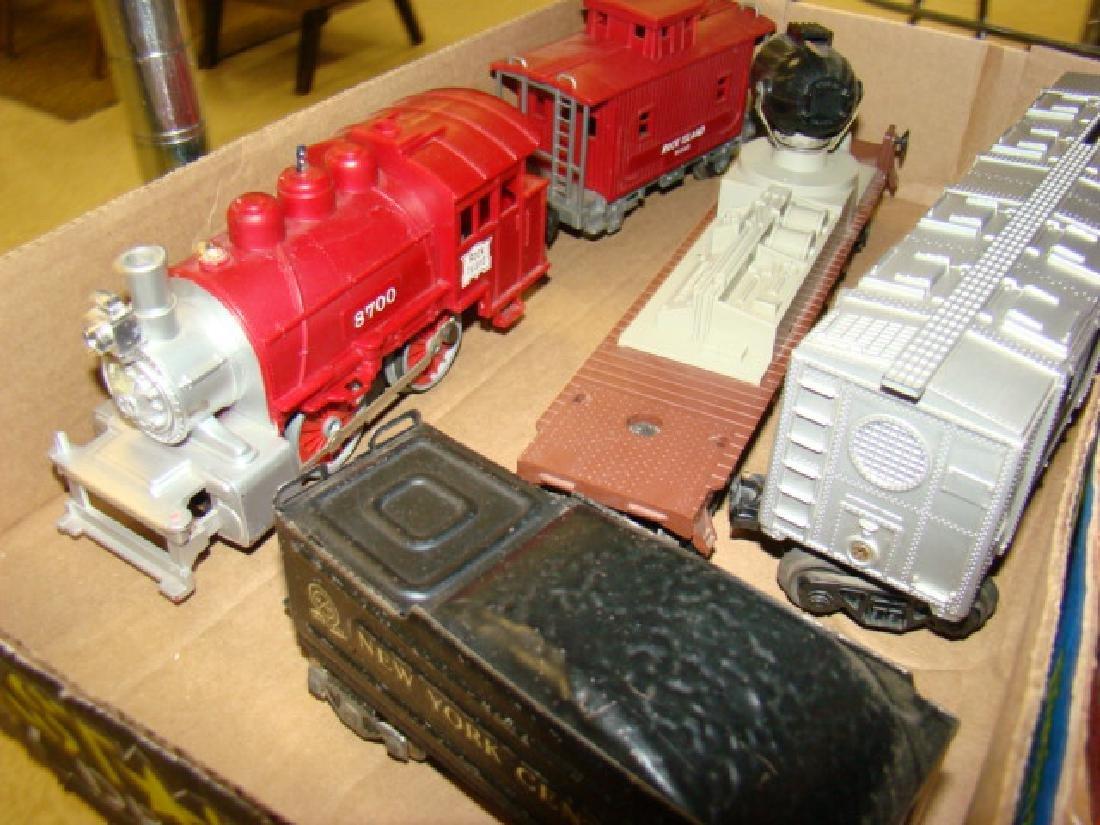LIONEL TRAIN CARS-ROCK ISLAND AND MORE - 3