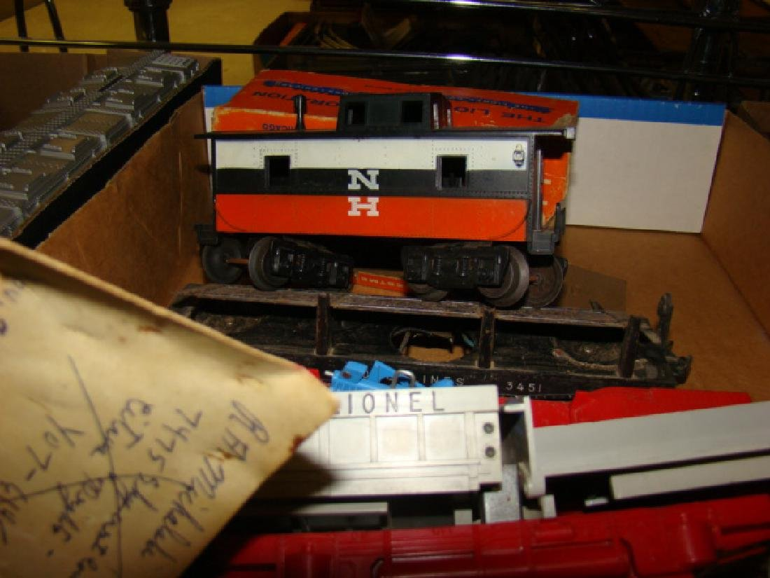 LIONEL TRAIN CARS-ROCK ISLAND AND MORE - 4