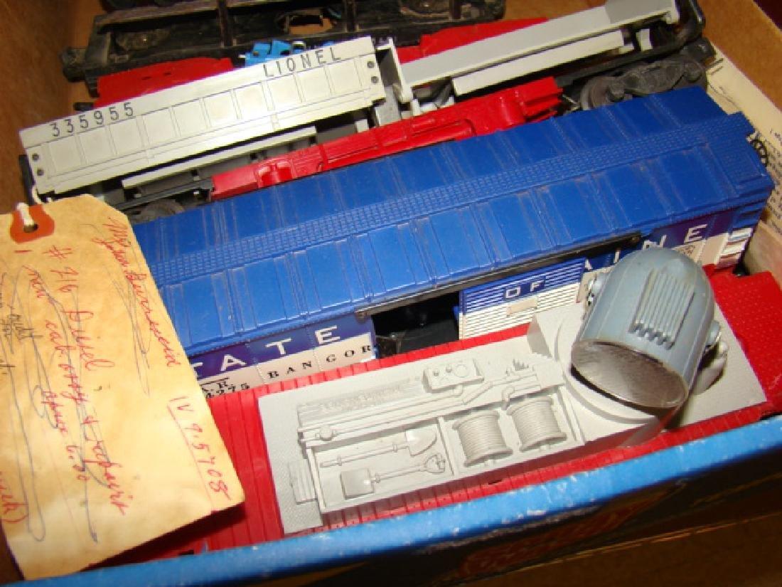 LIONEL TRAIN CARS-ROCK ISLAND AND MORE - 5