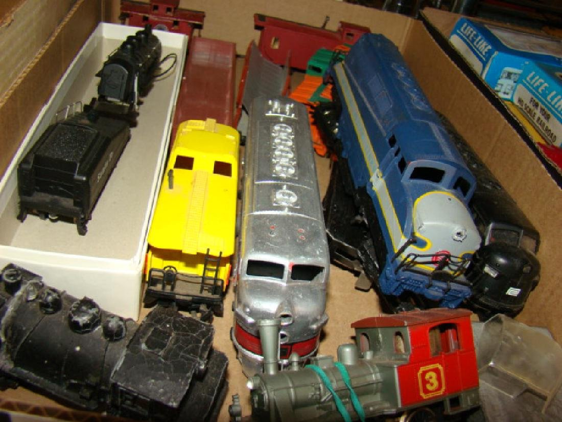 LARGE SMALL SCALE TRAIN LOT - 3