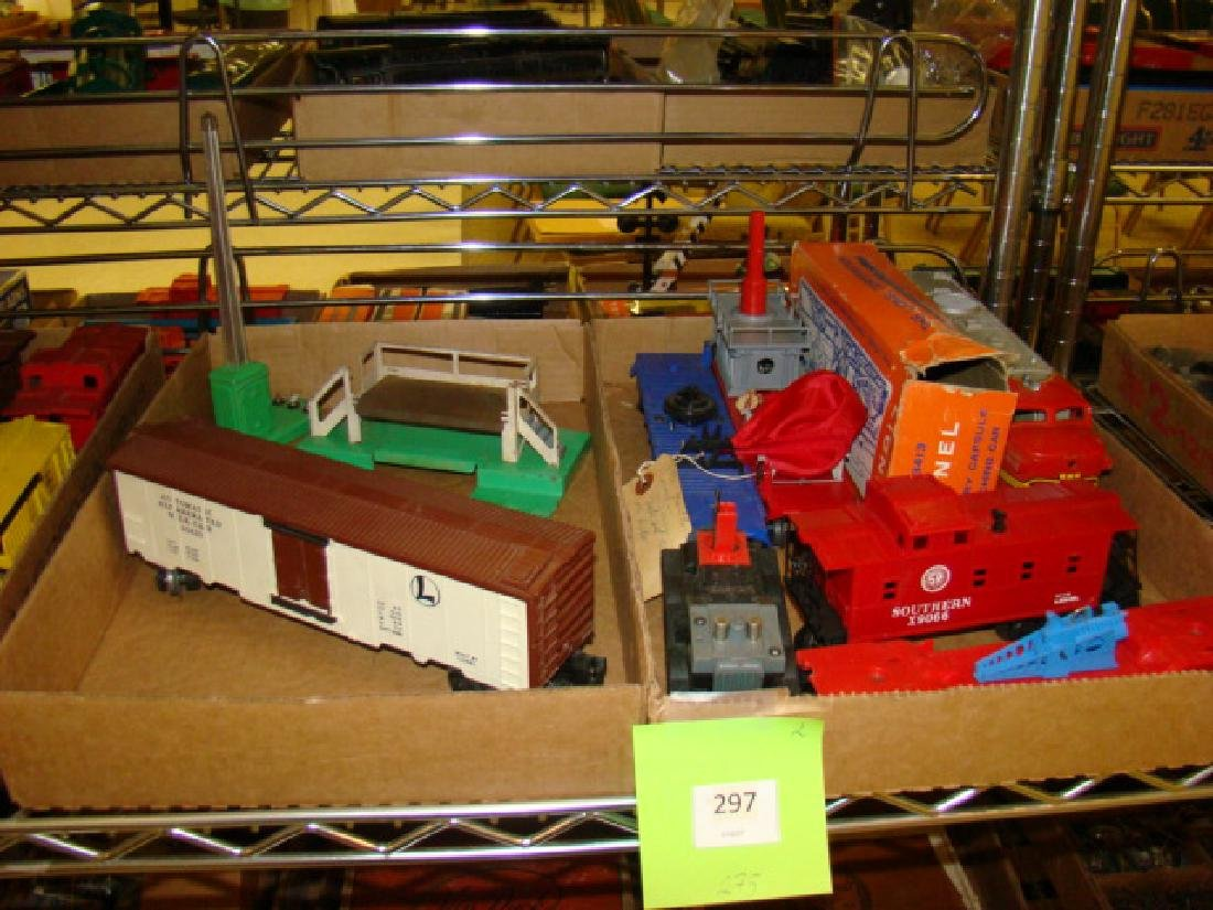 MIXED LOT-LIONEL LAUNCHING CARS & MORE
