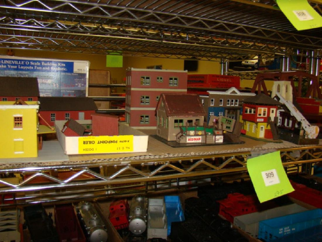 LARGE LOT OF TRAIN VILLAGE HOUSES AND MORE