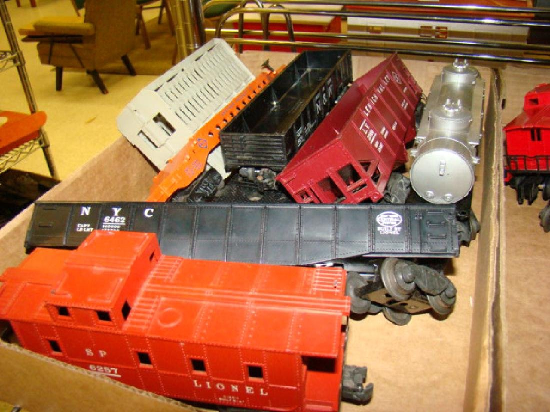 OVER 20 LIONEL TRAINS LOT - 2