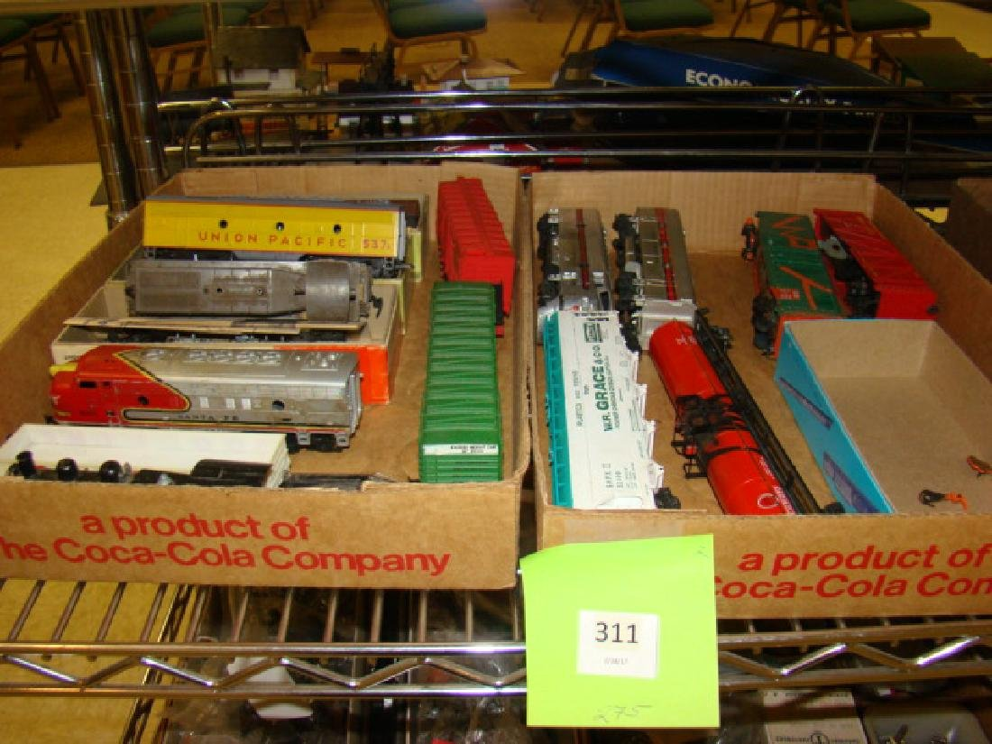 VARIOUS HO TRAINS-LIONEL SOO LINES AND MORE