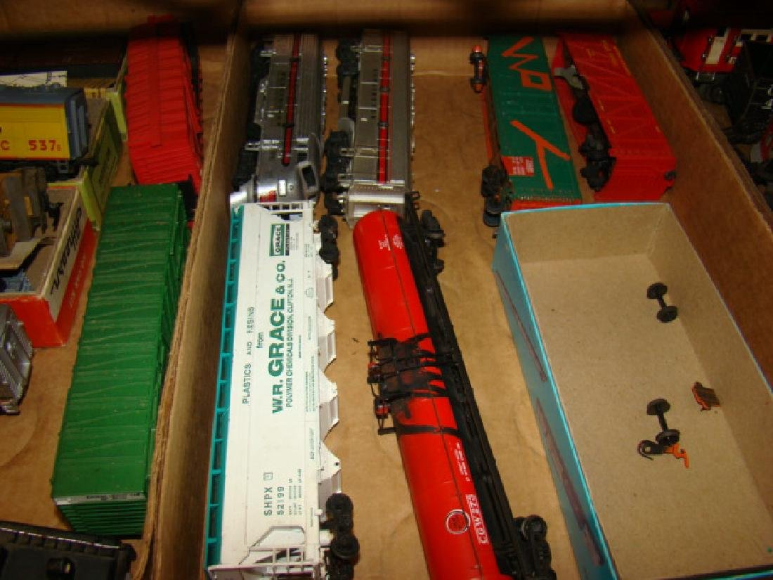 VARIOUS HO TRAINS-LIONEL SOO LINES AND MORE - 3
