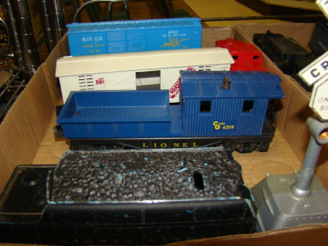 AMERICAN FLYER & LIONEL CARS - 2