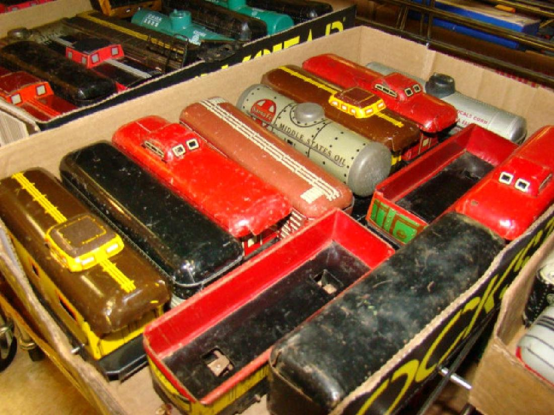 LARGE TIN LITHO TRAIN LOT-IVES AND MORE - 4