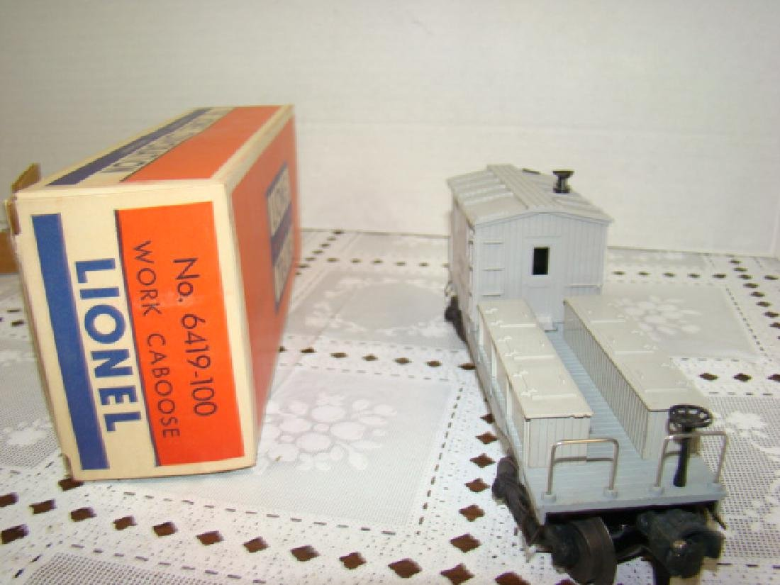 LIONEL WORKING CABOOSE IN ORIGINAL BOX - 2