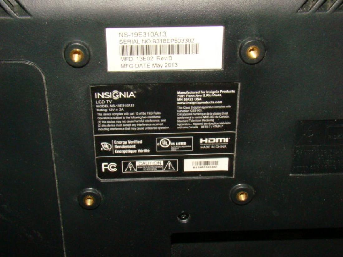 INSIGNIA LCD TV - 2