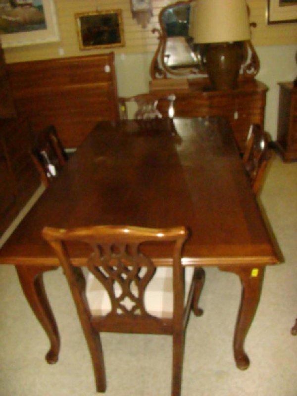 JOHN HALL CUSTOM TABLE WITH 4 CHAIRS