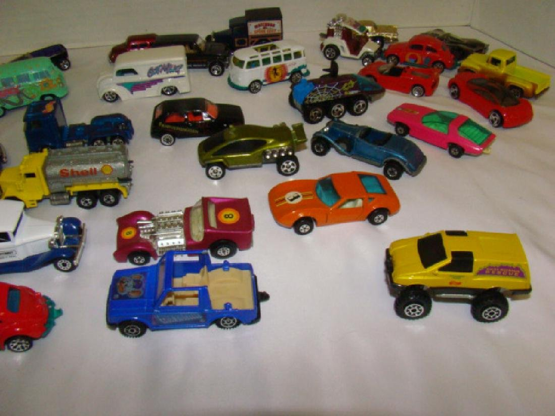 LOT OF TOY CARS - 6
