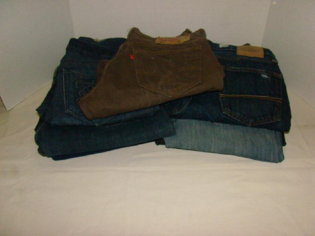 9 PAIRS OF MEN'S JEANS