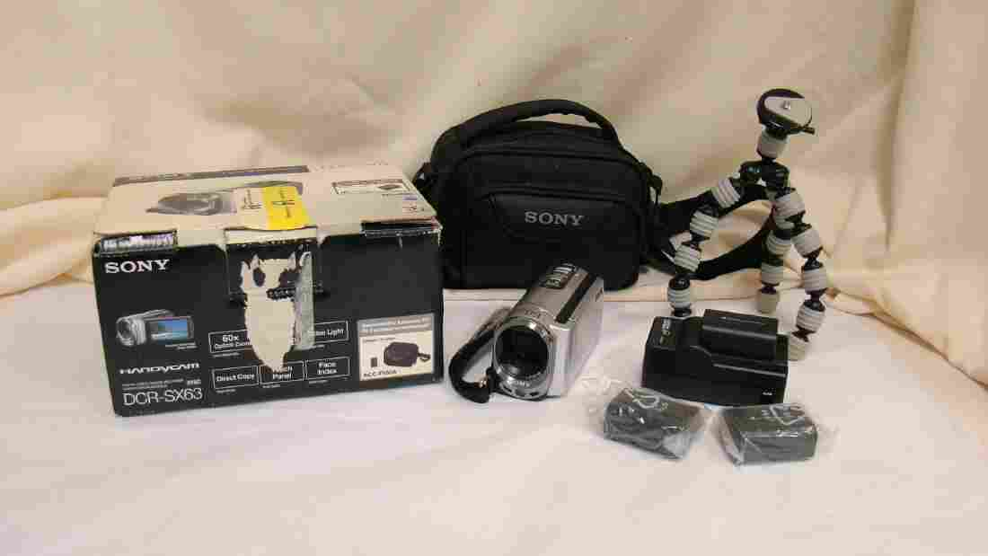 SONY HANDYCAM DCR-SX63 - NYLON BAG WITH CHARGER AN