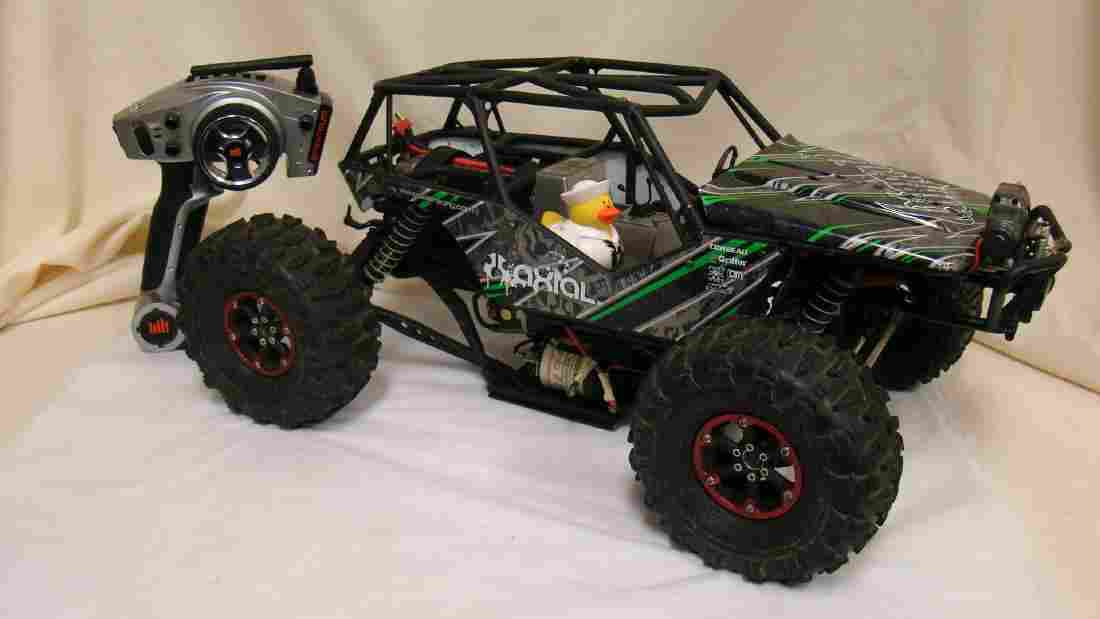 AXIAL DUNE BUGGY STYLE REMOTE CONTROL CAR & SPEKTR