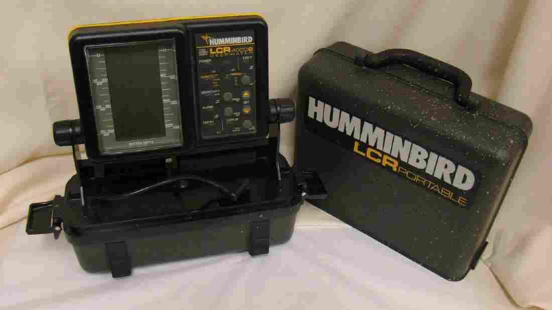 HUMMINGBIRD LCR 4000D DEEPWATER FISH FINDER IN CASE