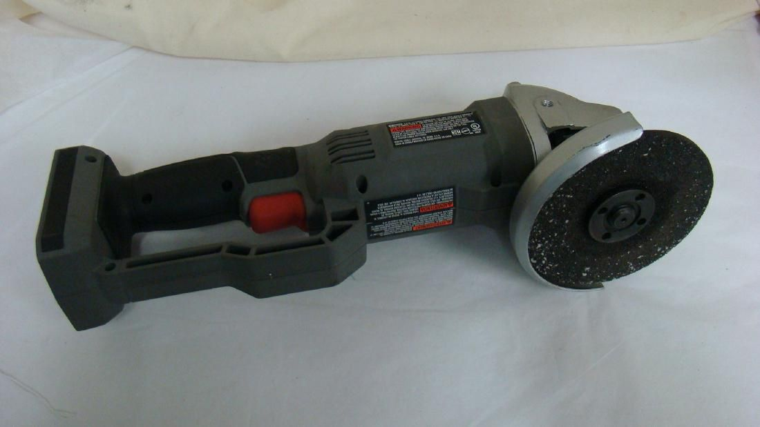 PRE-OWNED PORTER-CABLE CORDLESS CUT OFF GRINDER -