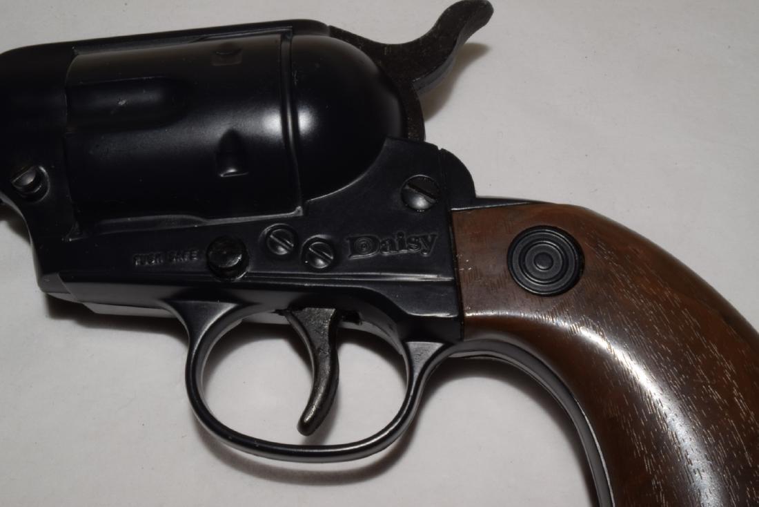 VINTAGE DAISY WESTERN MODEL 179 BB GUN - 2
