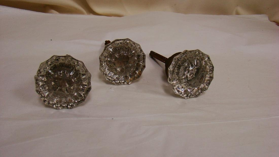 ANTIQUE GLASS AND BRASS DOOR KNOBS - 5