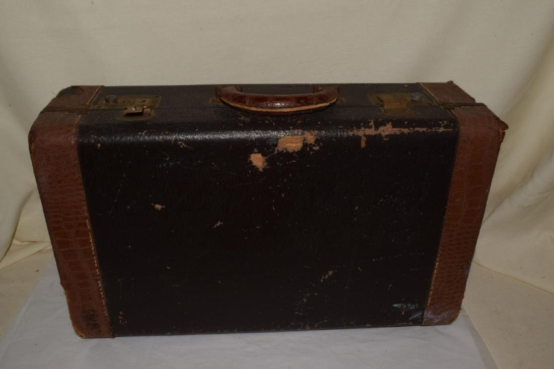 VINTAGE OLDS & SONS TRUMPET & CASE - 9