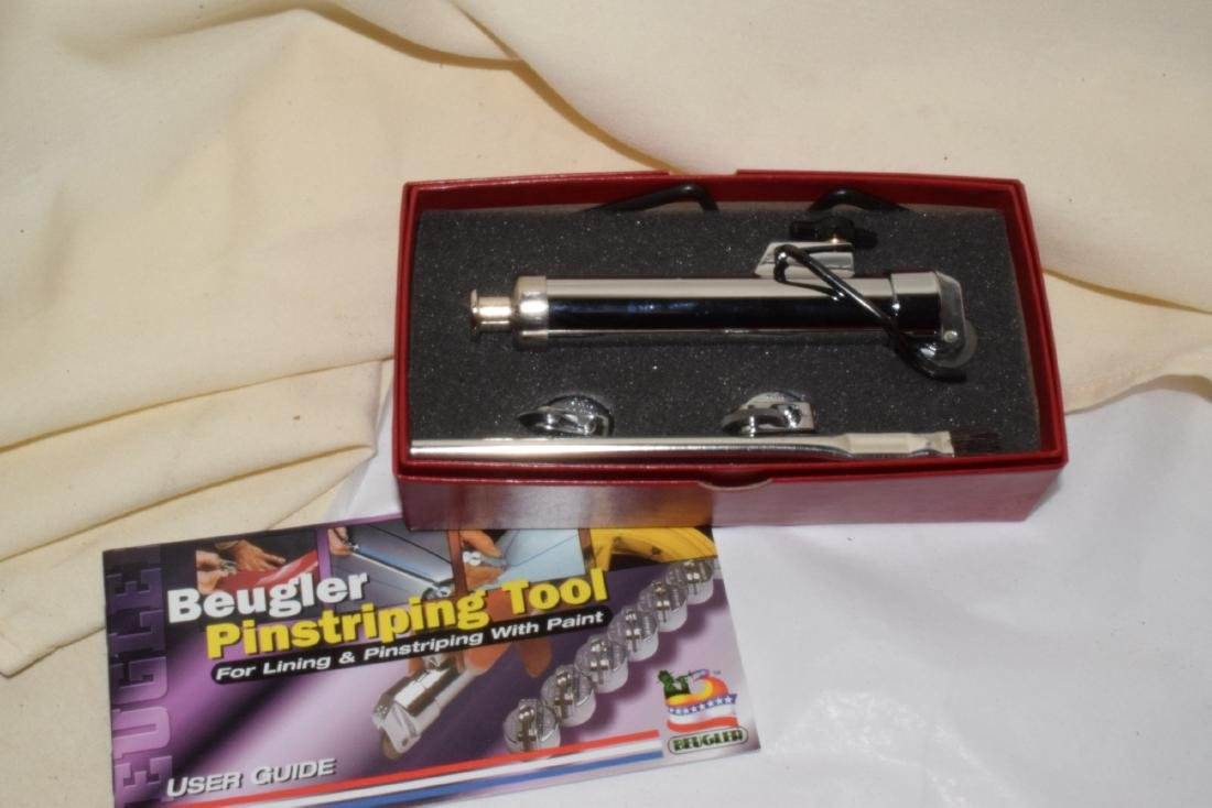 NEW AND OLD MODEL AIRBRUSH SETS - 7