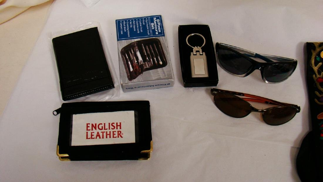 LOT OF MEN'S ACCESSORIES - 3