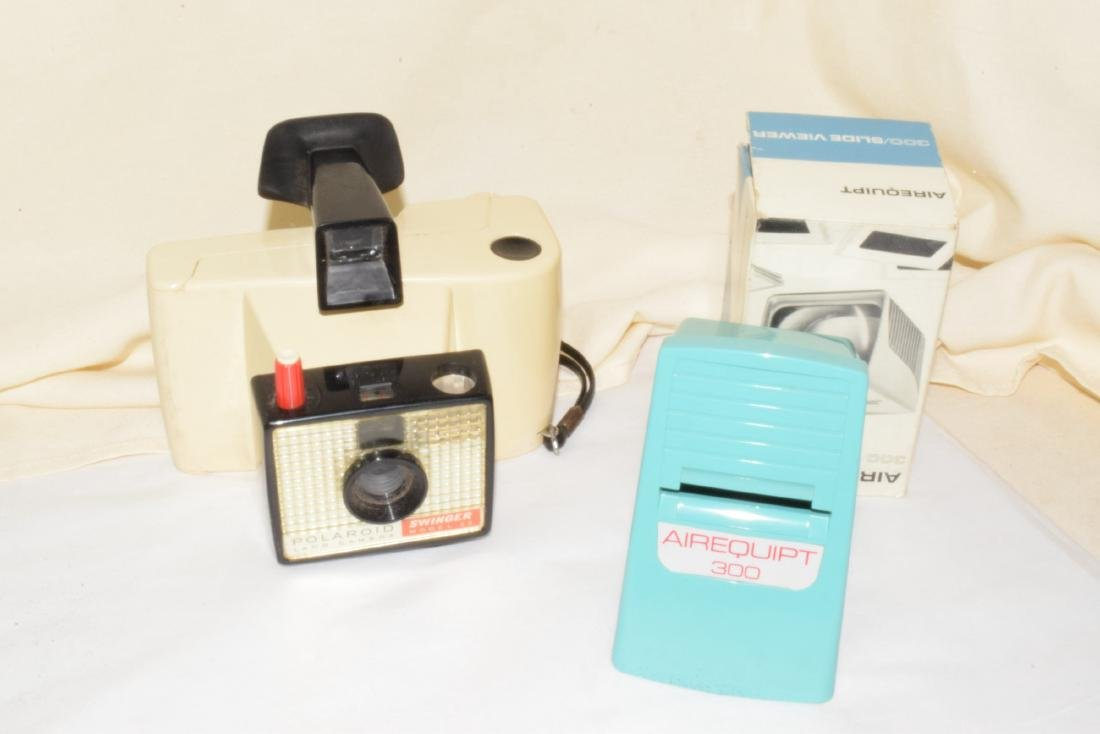 VINTAGE CAMERA ITEMS & MORE - 4