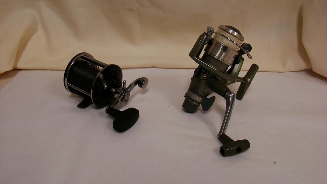 PAIR OF SPINNING FISHING REELS