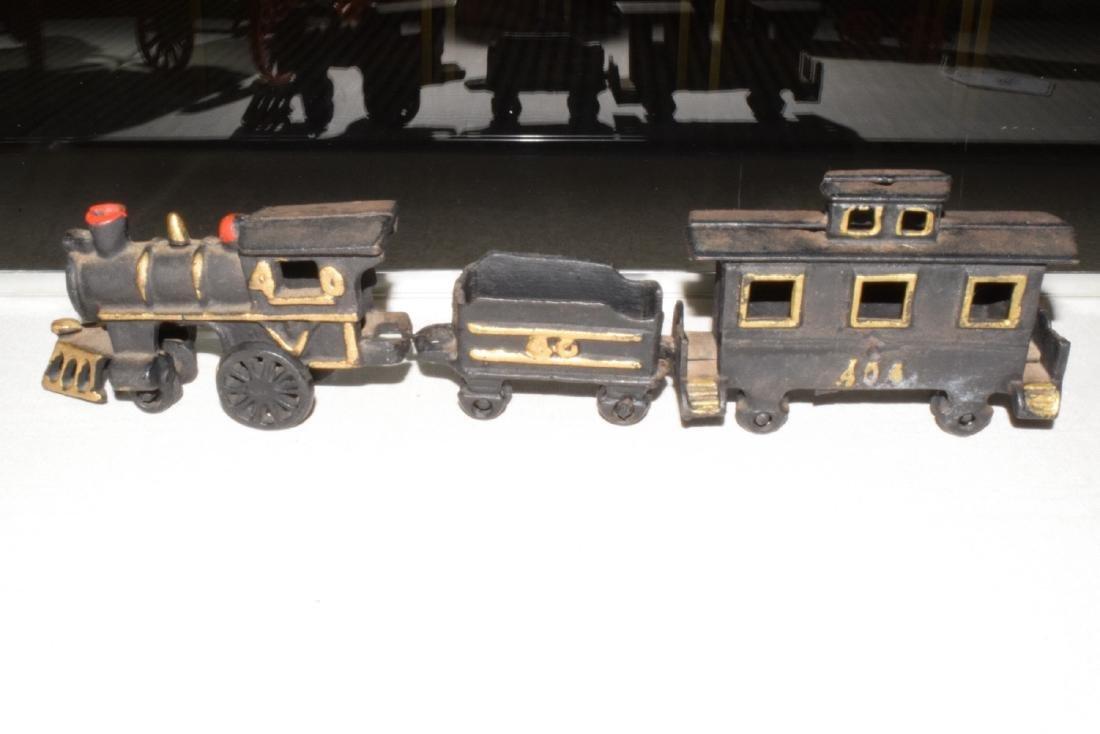 CAST IRON TRAIN & MORE - 6
