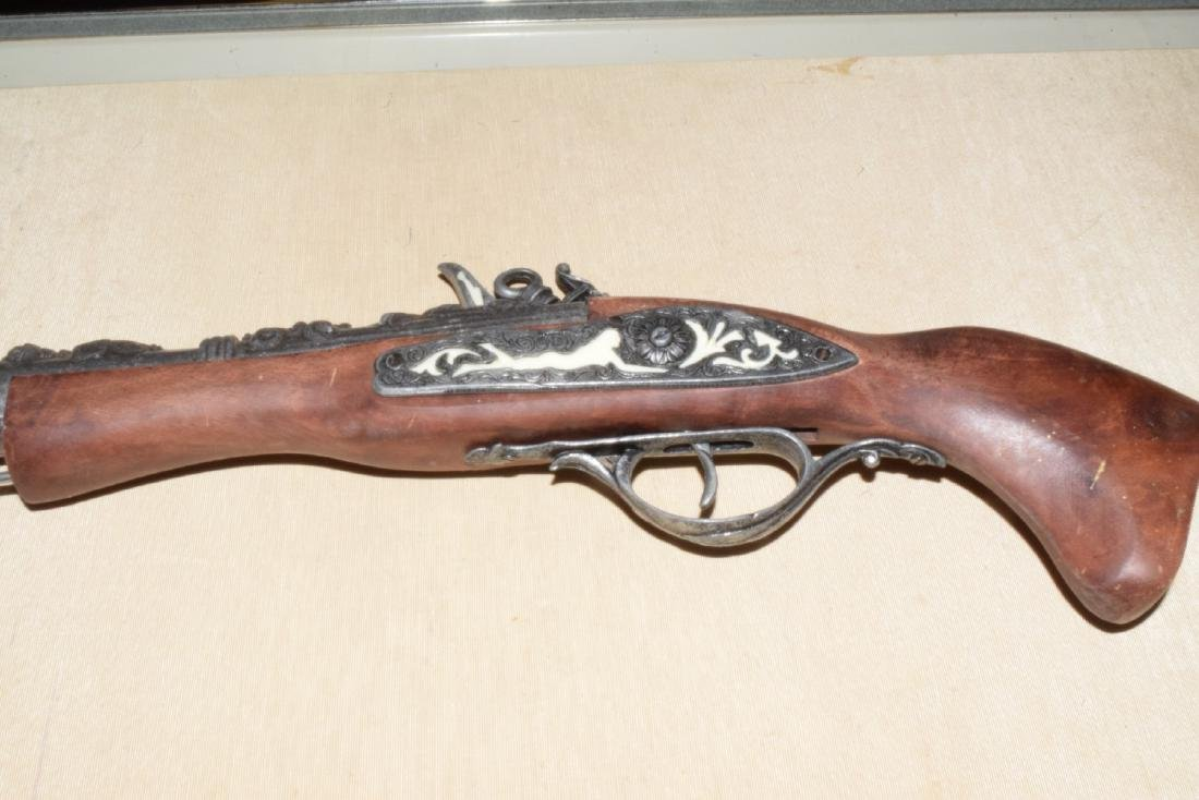 MATCHING DECORATIVE DUELING FLINTLOCKS - 5