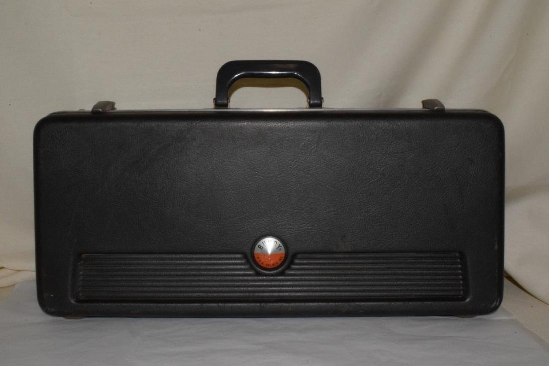 VINTAGE BUNDY TRUMPET & HARD CASE - 10