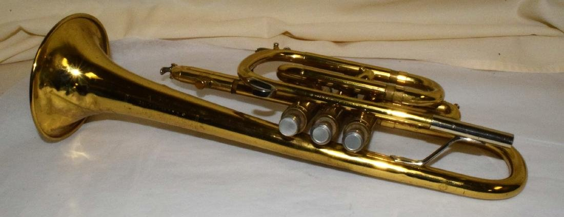 VINTAGE BUNDY TRUMPET & HARD CASE - 5