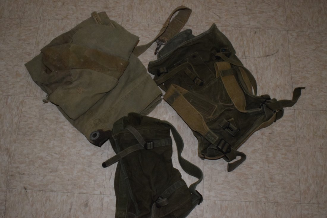 MILITARY ARMY TENT WITH EXTRAS - 2
