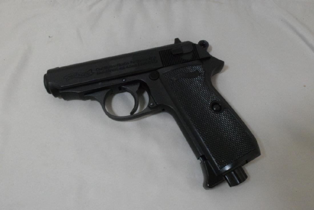 LIKE NEW - WALTHER PPK/S SEMI AUTOMATIC CO2 BB PIS - 2