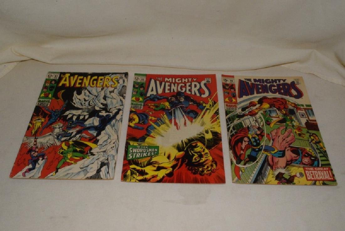 MARVEL COMIC THE AVENGERS & THE MIGHTY AVENGERS - 2